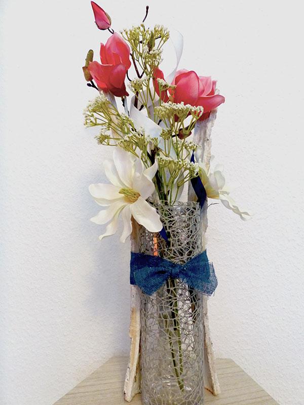 Vase floral dekoriert