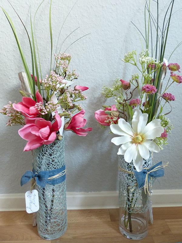 Vasen (Front) floral dekoriert