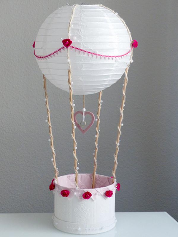Geschenkkorb als Heißluftballon gestaltet